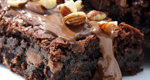 PIZZA BROWNIE COM CHOCOLATE